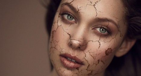 Create a cracked skin effect in Photoshop