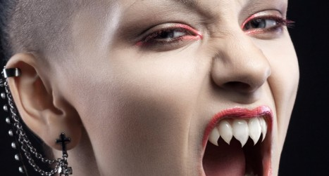 Turn Teeth into Sharp Fangs in Photoshop