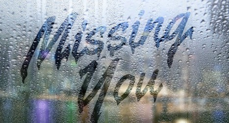 Create a text on a foggy rainy window in Photoshop